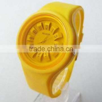 Brand new odm fashion jelly ss.com silicone watch of high-quality in round shape