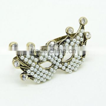 Pearl And Crystal Mask Anti Gold Gemstone Ring