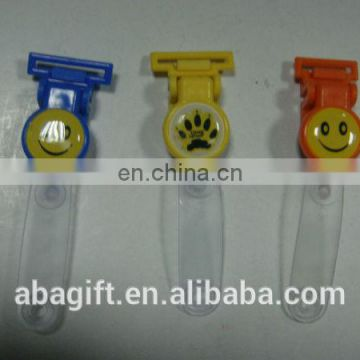 China manufacturer silver bulldog plastic vinyl strap badge clip with best quality and low price