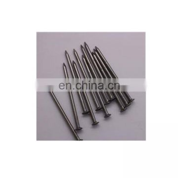 Common nails with different length and wire diameter for construction