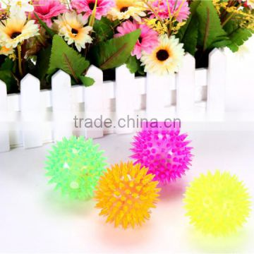 wholesale price kids toy ball with light and sound bouncing ball /flashing Barbed ball