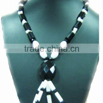 Wholesale fashion black agate with white glass column necklace jewelry