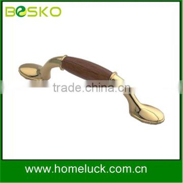 Good combination zinc and wooden handle for kitchen cabinet