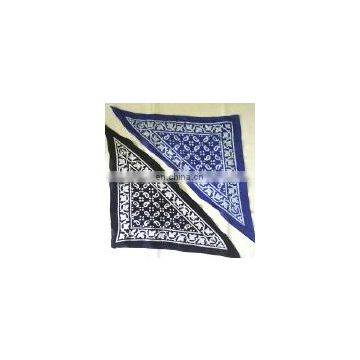 Triangular bandana