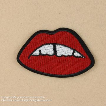 Hot selling charming embroidery diamond patch