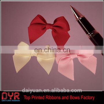 Grosgrain bow hair barrette