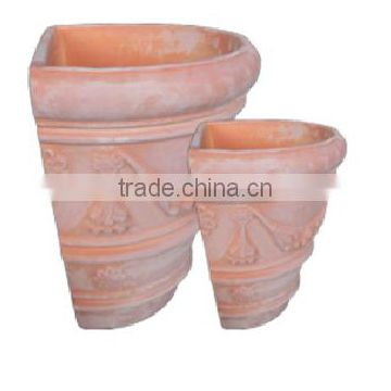 Wall Clay terracotta pots with the beautiful style for your dreaming garden