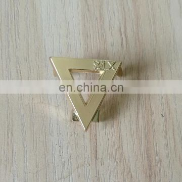 personalized cut out triangle shape metal logo bag plate