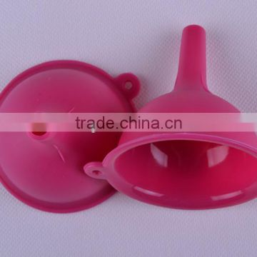 Durable promotion kitchen utensil enviromental eco-friendly practical silicone filling funnel