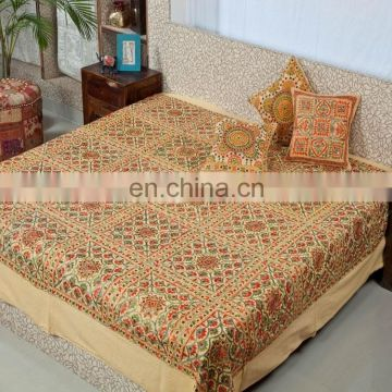 100% Cotton Hot Selling Royal Golden Color Handmade Design Luxury Cotton Bedding set with Pillow Cover