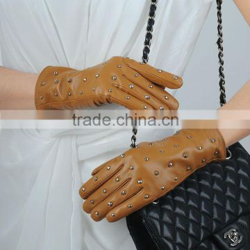 modern design ladies fashional genuine leather gloves with rivet on back from factory supplier