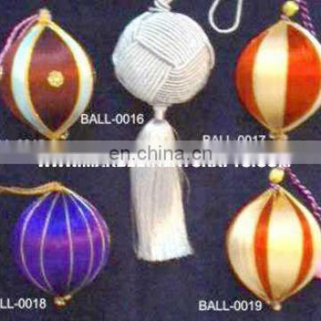 Decorative Christmas Ball Hangings