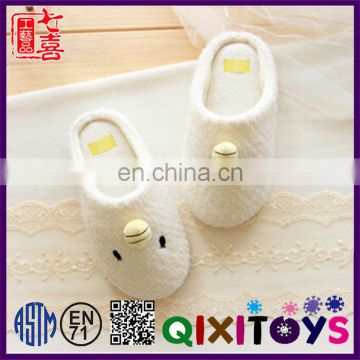 New product comfortable chicken animal slippers wholesale toy