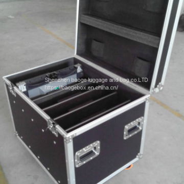Sliver Aluminum Roadie Traktor S8 Flight Case Shipping Cases Custom Plasma Lcd