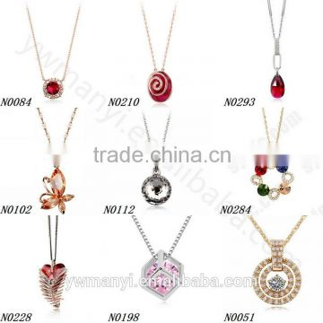 Wholesale charms supplier zinc alloy rhinestone letter d pendant jewelry